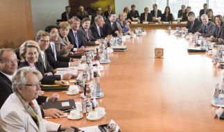 Merkel und Kabinettsmitglieder bekommen mehr Geld (Foto)