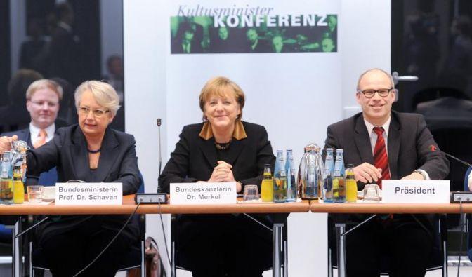 Merkel will Hartz-IV-Bildungspaket überprüfen lassen (Foto)