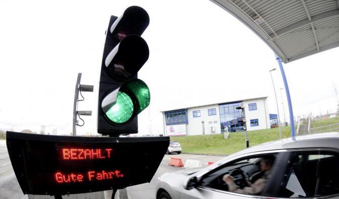 Merkel will nun doch ueber Pkw-Maut beraten (Foto)