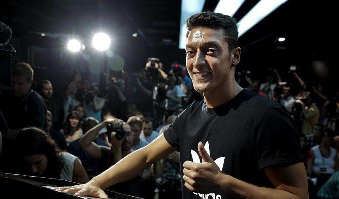 Mesut Özil (Foto)