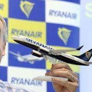 Michael O'Leary, Chef der irischen Billig-Airline Ryanair: Aus Kostengründen Passagiere in Gefahr gebracht?