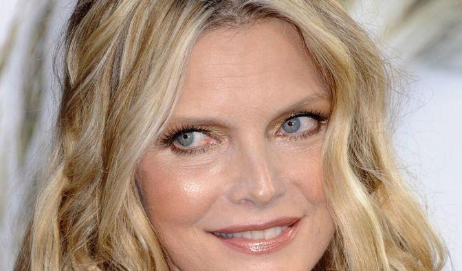 Michelle Pfeiffer soll De Niros Film-Gattin werden (Foto)