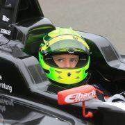 Steigt der Schumi-Sohn von der Formel 4 in die Formel 3 auf? (Foto)