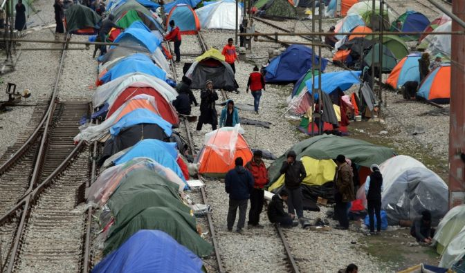 Migranten an der griechisch-mazedonischen Grenze in Idomeni am 24. März 2016. (Foto)