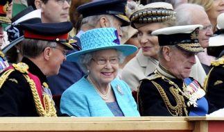Militärparade zu Ehren der Queen (Foto)