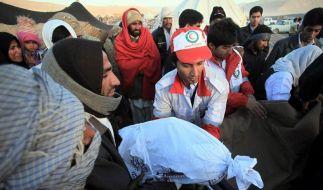 Mindestens sieben Tote bei Erdbeben im Iran (Foto)