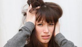 Mit dem Pfeifen im Ohr leben: Was bei Tinnitus hilft. (Foto)