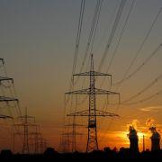 Mit der Energiewende steigt das Risiko von Engpässen. Einen Grund zur Panik gibt es laut regionaler Netzbetreiber aber nicht.