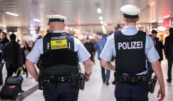 Mit Hunderten Anzeigen wegen Sexualdelikten muss sich die Polizei in Köln derzeit beschäftigen. (Foto)