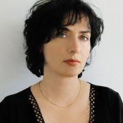 Mit Immer ich entfesselt Alissa Walser eine spannende Suche nach dem eigenen Ich.