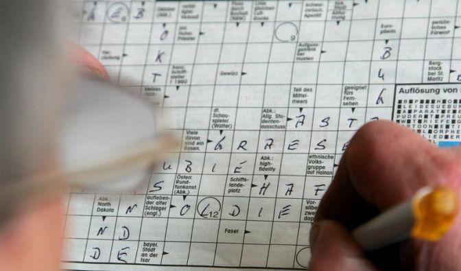 Mit Kreuzworträtseln das Gehirn trainieren (Foto)