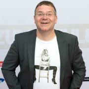 Mit Raabs Abschied zum Jahresende hört auch für Show-Praktikant Elton ein langer Leidensweg auf. (Foto)
