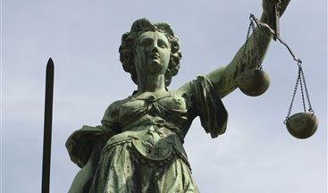 Mit einem guten Rechtsanwalt ist Justitia auf Ihrer Seite - die Tipps von news.de verraten Ihnen, woran Sie einen guten Anwalt erkennen. (Foto)