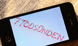 Mit einem Smartphone wird der Alltag leichter. Doch es gibt sieben Sünden für Smartphone-Nutzer. (Foto)