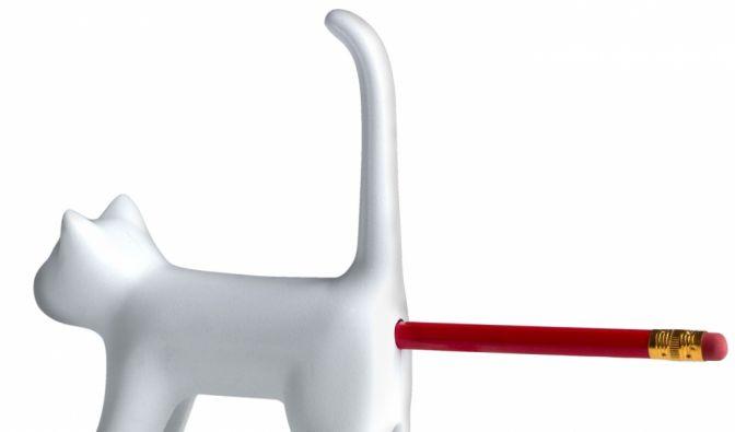 Mit tierischer Unterstützung zu geschärften Schreibutensilien: Der Katzenanspitzer von coolstuff.de ist unsere Spielerei der Woche. (Foto)