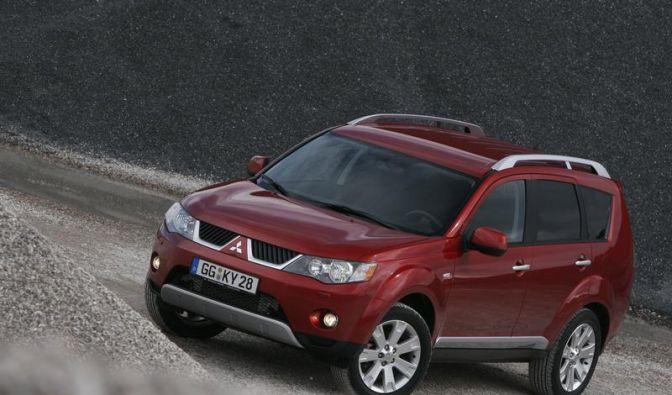 Mitsubishi Outlander: Kompakt-SUV mit kompakter Mängelliste (Foto)