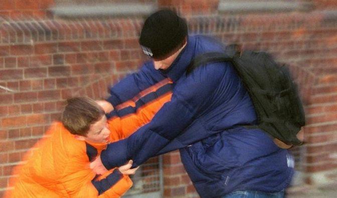 Mobbing: Hinsehen und Gleichgesinnte suchen (Foto)
