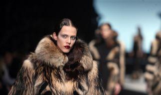 Mode: Außer-, Über- und Unterirdisches in Paris (Foto)