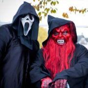 Monster, Geister und andere Figuren erobern um Halloween herum den Heide Park Soltau.