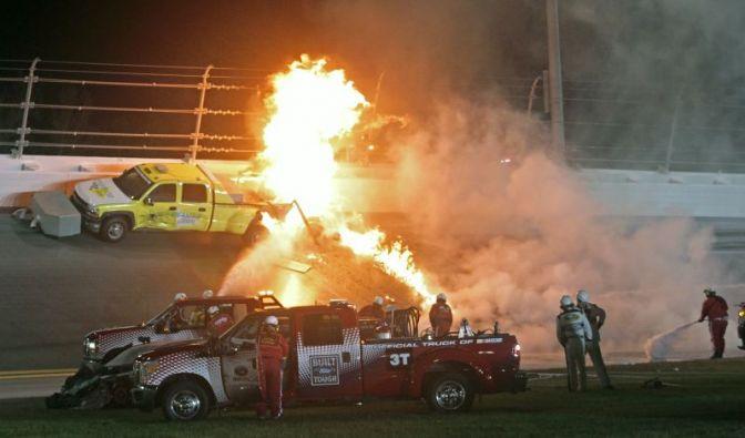Montoya verursacht schockierenden Feuercrash (Foto)