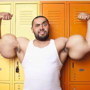 Mostafa Ismail aus Ägypten hat die offiziell dicksten Oberarme der Welt. Ihr Umfang, so haben die Juroren des Guinness-Buchs nachgemessen, beträgt 64,77 Zentimeter.