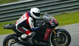 Motorrad-Fans schauen auf Bradl und Cortese (Foto)