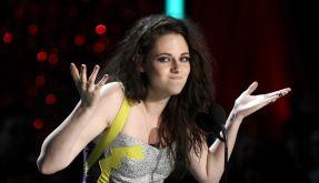 MTV Movie Awards 2012: Twilight-Star Kristen Stewart küsst sich selbst. (Foto)