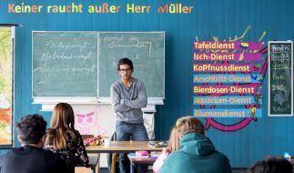 Müller is bäck! Zeki (Elyas M'Barek) hat die 10b im Griff - noch. (Foto)