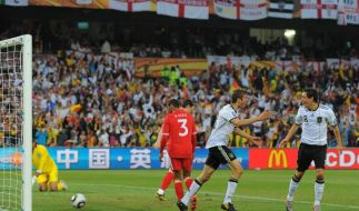 Müller Özil (Foto)