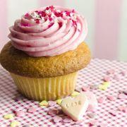 Muffin mit Cupcake-Topping.