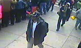 Nach dem Anschlag auf den Boston-Marathon veröffentlichte das FBI Fotos zweier Verdächtiger. (Foto)