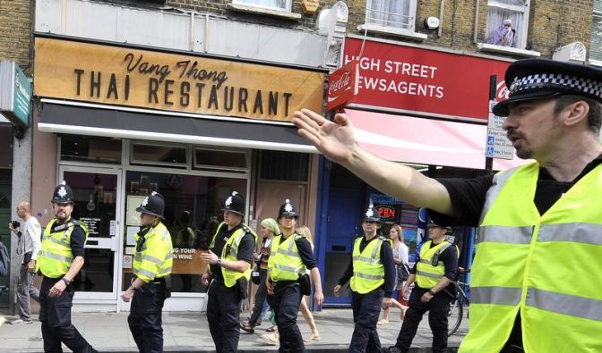 Nach England-Krawallen fordert Cameron «Null Toleranz» (Foto)