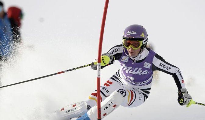 Nach Knieblessur: Höfl-Riesch plant Slalom-Start (Foto)