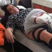 Nach einem Unfall, der Sandra ans Bett fesselte, nahm sie stark zu.