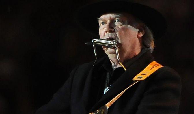 Neil Young dreht Folk-Klassiker durch den Wolf (Foto)