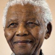 Der greise Mandela hat für sein Land noch immer eine überragende Bedeutung als humanitäre Leitfigur und nationaler Versöhner.