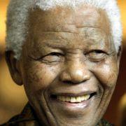 Nelson Mandela, hier auf einem Foto aus dem Jahr 2007, ist auch im hohen Alter immer noch die Ikone Südafrikas.