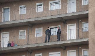 Neugeborenes aus dem fünften Stock geworfen (Foto)