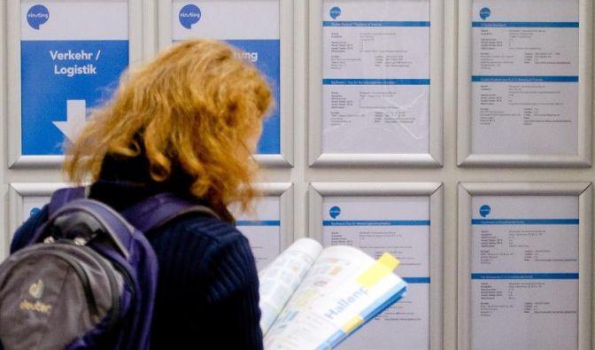 Nicht jeder findet auf Anhieb einen Ausbildungsplatz. In solchen Fällen ist die Einstiegsqualifizierung (EQ) eine gute Alternative. (Foto)