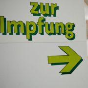 Nicht nur vor Fernreisen wird darauf hingewiesen, sich rechtzeitig impfen zu lassen. Der Rat gilt auch für das benachbarte Ausland.