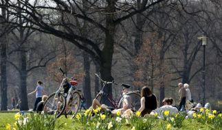 Nicht gleich rot werden: Haut vor Frühlingssonne schützen (Foto)