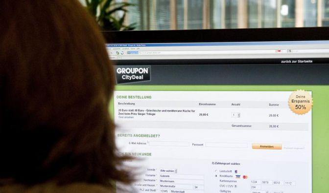 Nicht jedes Schnäppchen lohnt: Groupon-Dienste im Netz (Foto)