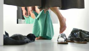 Nicht immer geht es in der Umkleide so gesittet zu wie auf diesem Bild. (Foto)