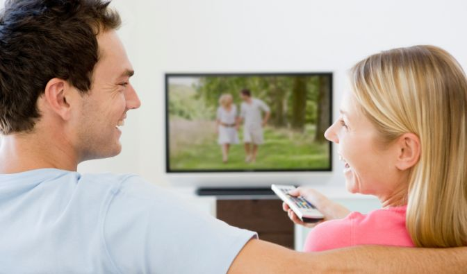 Nichts mehr vom Fernsehabend verpassen? Kein Problem: Die Lösung sind Festplatten und Fernseher, die aufzeichnen können. (Foto)