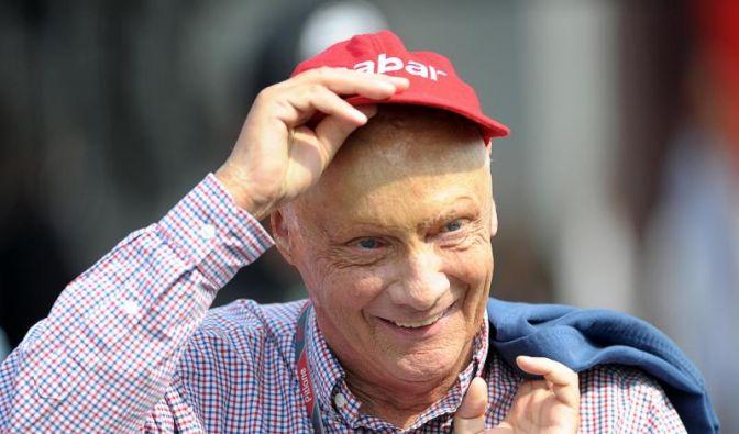Niki Lauda verunglückte 1976 beim Formel-1-Rennen auf dem Nürburgring schwer. Er zog sich schlimmste Verbrennungen und Verätzungen der Lunge zu. (Foto)