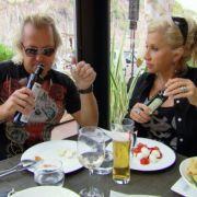 Noch haben Carmen und Robert Geiss gut lachen. Nach dem Knastausflug zeigt sich Deutschlands schillernstes Luxuspärchen schockiert.
