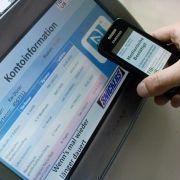 Noch ist die NFC-Technologie in Deutschland nicht weit verbreitet. Doch Fahrkarten können so schon bargeldlos erworben werden.