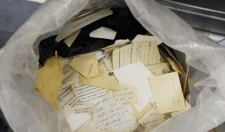 Noch heute lagern noch 15.000 Säcke mit zerfetzten oder zerschnipselten Stasi-Unterlagen bei der Bir (Foto)