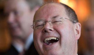 Noch kann Steinbrück lachen - Italiens Staatspräsident weniger: Nach den Clown-Vergleichen sagte Napolitano ein Treffen mit dem SPD-Politiker ab. (Foto)