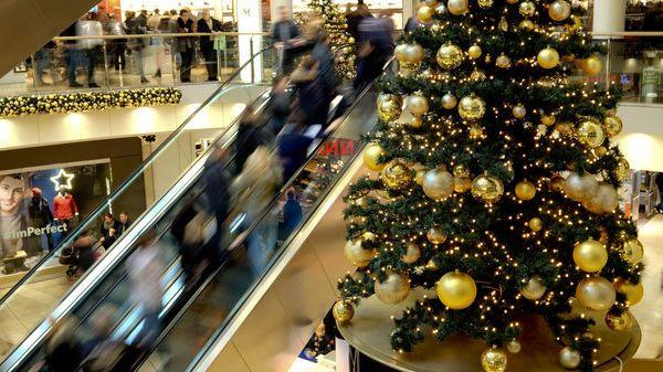 Noch auf der Suche nach Weihnachtsgeschenken? In einigen Städten können Sie auch am Sonntag shoppen.